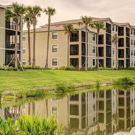 Rent this 2 bed condo on Hammock Dr in Bradenton, FL