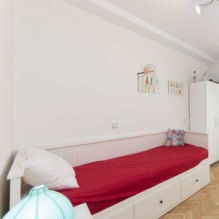 Rent this 2 bed apartment on Centro religioso Pakistaní in Calle de Sombrerete, 26