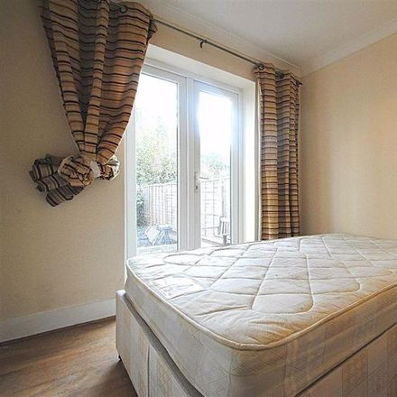 Rent this 2 bed house on Glyn Avenue in London EN4 9PH, United Kingdom