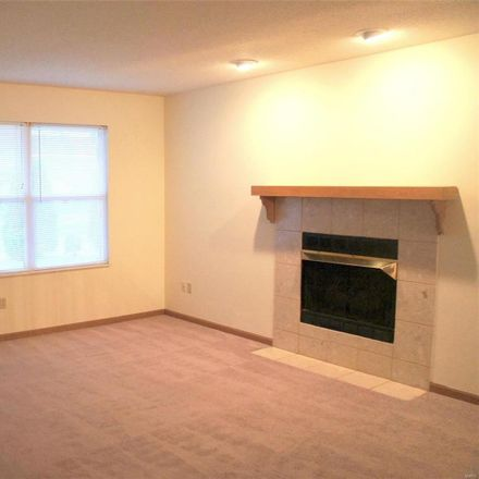 Rent this 3 bed house on 1939 Stingray Ct in Belleville, IL