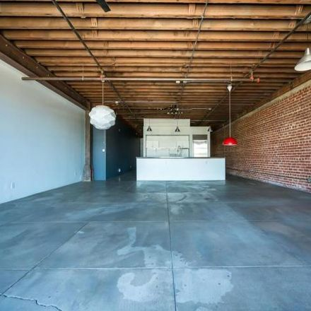 Rent this 1 bed condo on 122 West 5th Street in Long Beach, CA 90802