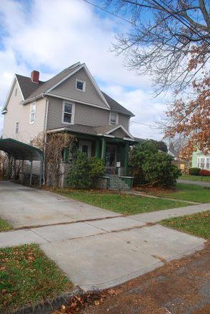 Rent this 3 bed house on 303 North Wilbur Avenue in Sayre, PA 18840