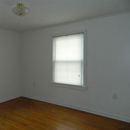 Rent this 3 bed house on 32 Sunset Avenue in Town of North Greenbush, NY 12180