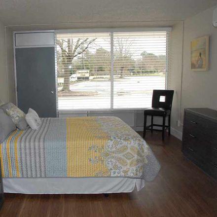 Rent this 1 bed apartment on Elliott House in 520 Newport Avenue, Williamsburg