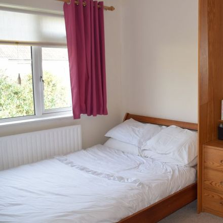 Rent this 5 bed apartment on Lansdowne Park 1-32 in Knocklyon, Dublin 16
