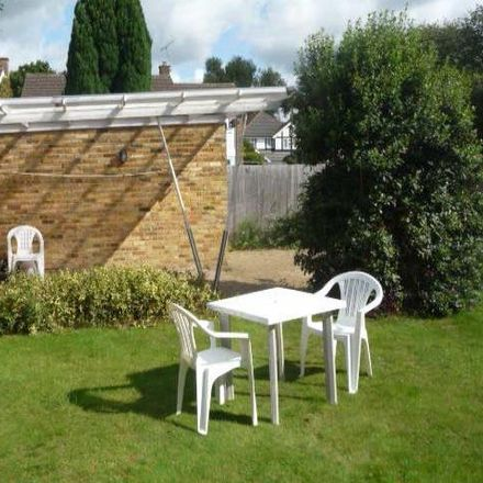Rent this 5 bed house on Coal tax post in Heath Road, Welwyn Hatfield EN6 1LR