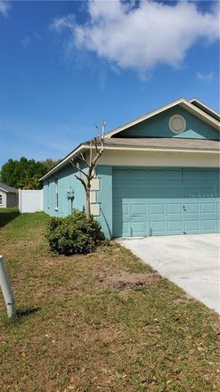 Rent this 3 bed house on Kings Lake Dr in Gibsonton, FL