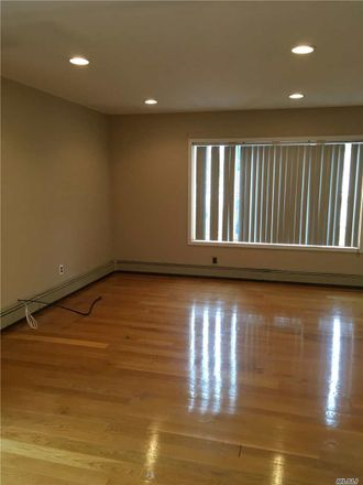 Rent this 2 bed duplex on 1609 Blaine Ave in East Meadow, NY
