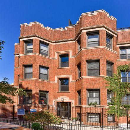 Rent this 2 bed condo on 746 West Cornelia Avenue in Chicago, IL 60657