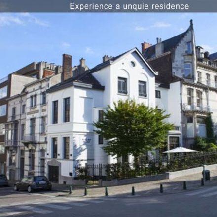 Rent this 3 bed apartment on Rue Vilain XIIII - Vilain XIIII-straat 20 in 1050 Ixelles - Elsene, Belgium