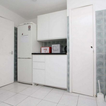 Rent this 6 bed room on 182 Jubilee Street in London E1 3BP, United Kingdom