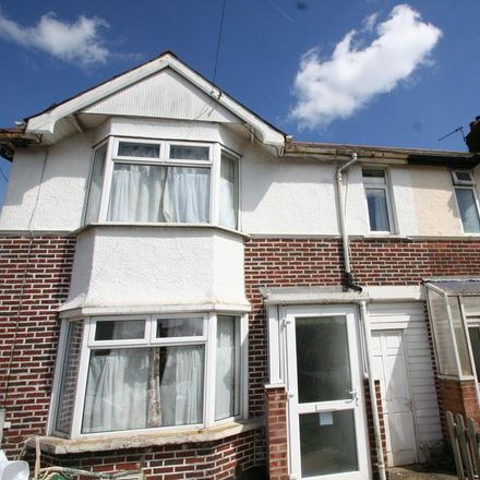 Rent this 8 bed house on 364 Cowley Road in Oxford OX4 2AG, United Kingdom