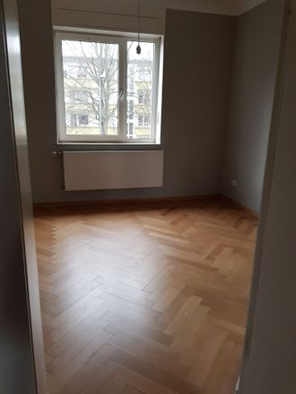 Rent this 3 bed apartment on Cracauer Straße 65 in 47799 Krefeld, Germany