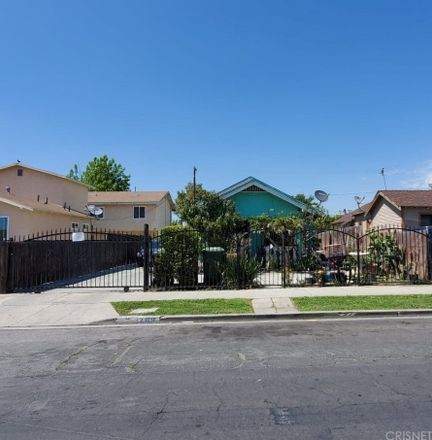 Rent this 3 bed house on 203 East 81st Street in Los Angeles, CA 90003