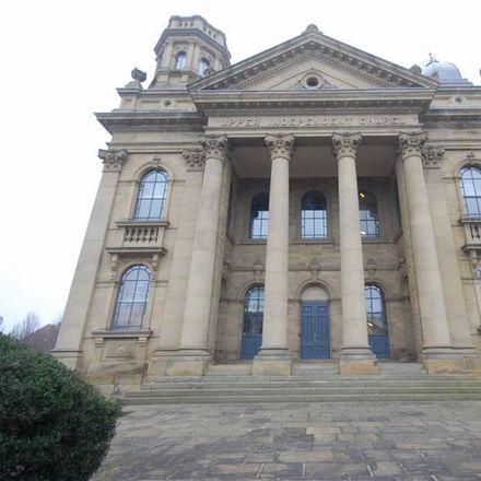 Rent this 1 bed apartment on High Street in Kirklees WF16 0AJ, United Kingdom