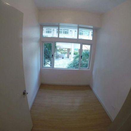 Rent this 2 bed condo on 509 Quezon Boulevard in Santa Cruz, 1002