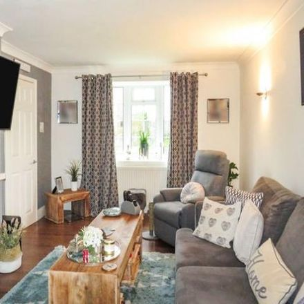 Rent this 3 bed house on Stag Hill in Basingstoke RG22 6JE, United Kingdom