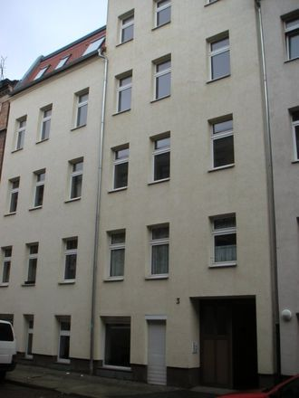 Rent this 3 bed apartment on Krondorfer Straße 3 in 06112 Halle (Saale), Germany