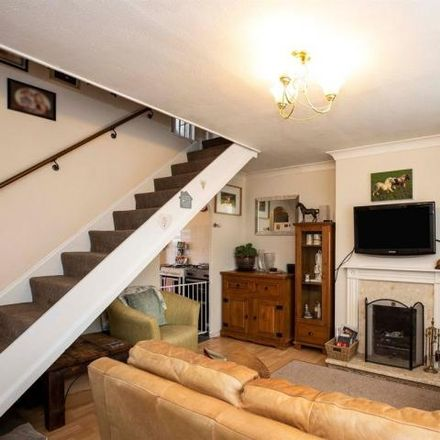 Rent this 3 bed house on Meadow Close in Higham Ferrers, NN10 8HA