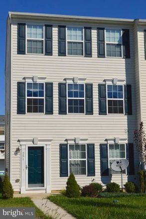Rent this 3 bed townhouse on 251 Eliot Street in Lancaster County, PA 17603