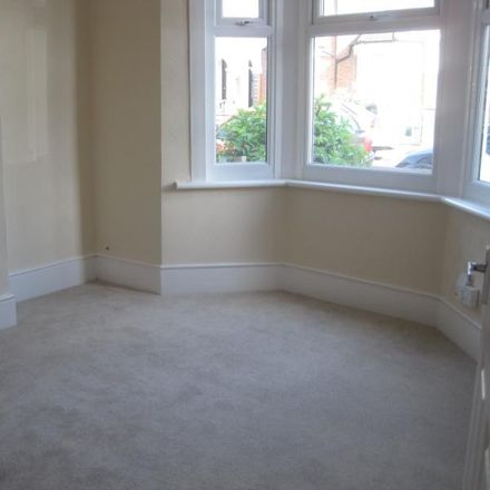 Rent this 3 bed house on Oasis Academy Shirley Park Childrens Centre in Malling Close, London CR0 7YD