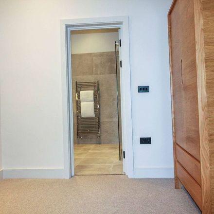 Rent this 3 bed apartment on Altrincham Grammar School for Girls in Cavendish Road, Altrincham WA14 2NL