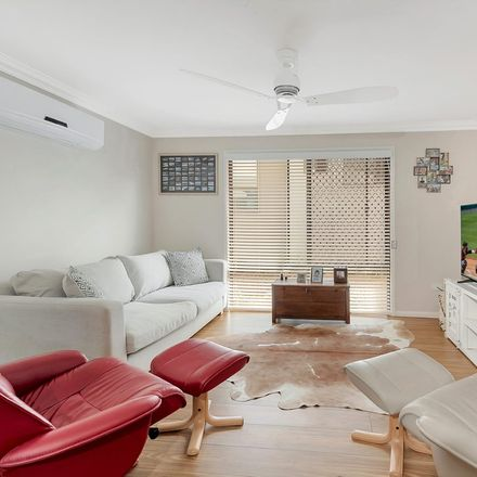 Rent this 2 bed apartment on 5/340 Hume  Street