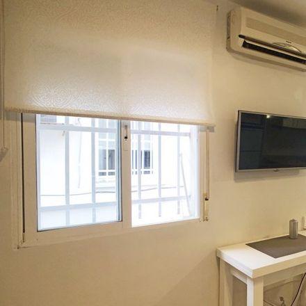 Rent this 0 bed apartment on Farmacia - Avenida Doctor Federico Rubio y Galí 42 in Avenida del Doctor Federico Rubio y Galí, 42