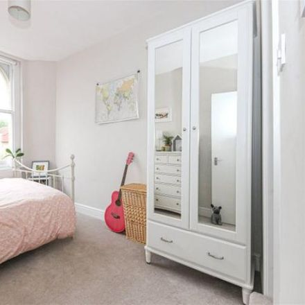 Rent this 2 bed apartment on Clifton Down Dental Practice in 72 Alma Road, Bristol BS8