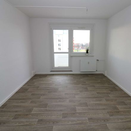 Rent this 5 bed apartment on Paul-Müller-Straße 8 in 09599 Freiberg, Germany