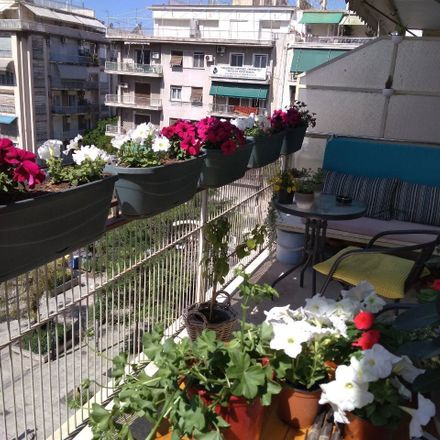 Rent this 0 bed room on Diva in Πλατεία Κυριακού 10-12, 104 34 Athens