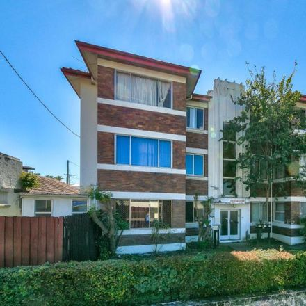 Rent this 1 bed apartment on 6/464 Sandgate Road