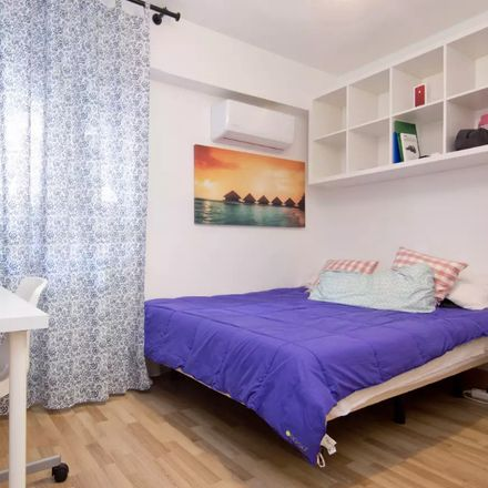 Rent this 5 bed room on Calle Granados in 28806 Alcalá de Henares, Madrid