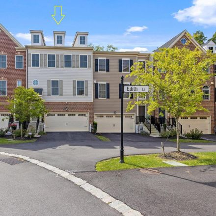 Rent this 4 bed townhouse on Wayne