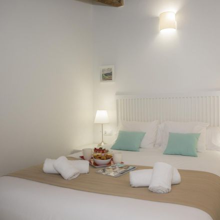 Rent this 1 bed apartment on Carrer de Jofrens in 46001 Valencia, Spain