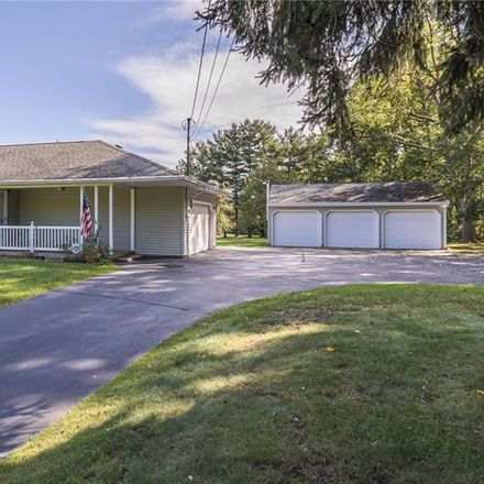 Rent this 3 bed house on 693 Ridge Road in Hinckley, Hinckley Township
