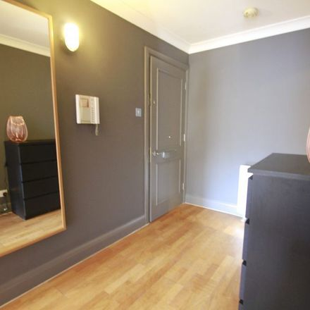 Rent this 1 bed apartment on Baltic Place in Glasgow, G40 4DF