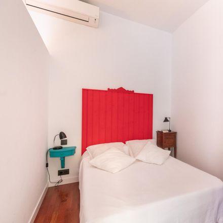 Rent this 1 bed apartment on Galeries Maldà in Carrer de la Portaferrissa, 22