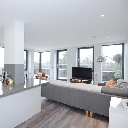 Rent this 1 bed apartment on Westlake Garages in Lower Richmond Road, London TW9 4LN