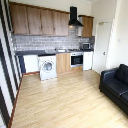 Rent this 1 bed apartment on Windsor Discount Sofas in Frederick Street, South Tyneside NE33 5EA