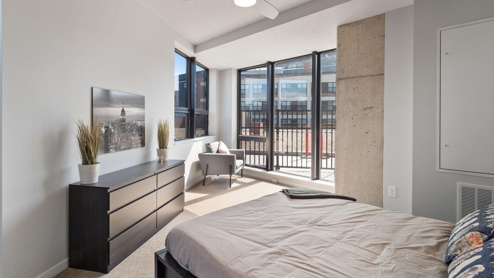 1 bedroom apartment at 811 washington avenue south