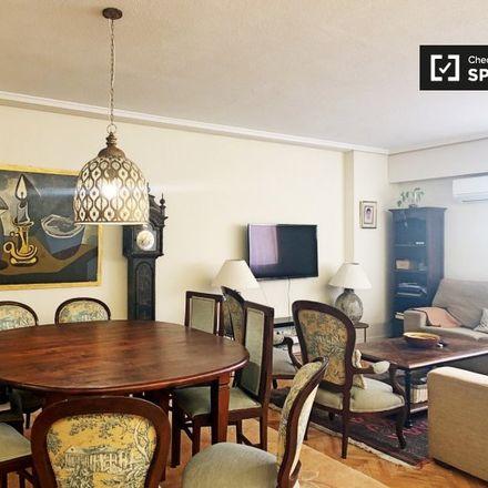 Rent this 3 bed apartment on Carril bici Santa Engracia in Jean Louis David, 28001 Madrid