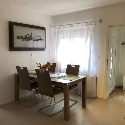 Rent this 4 bed apartment on Dusseldorf in Eller, NW