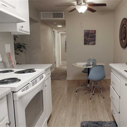 Rent this 1 bed apartment on Dero in La Riviera Drive, Sacramento