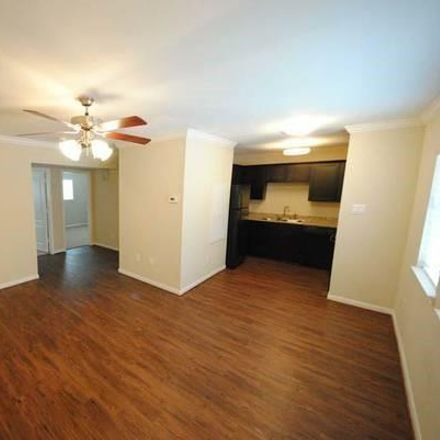Rent this 2 bed condo on W 16th St in Houston, TX