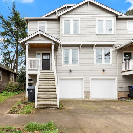 Rent this 5 bed townhouse on 2028 Southeast Harold Street in Portland, OR 97202