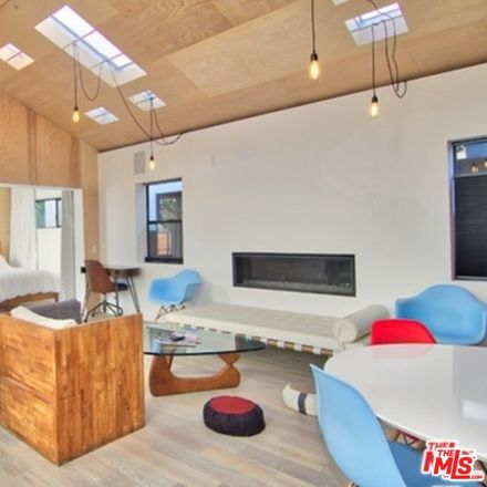 Rent this 1 bed apartment on 1003 Main Street in Los Angeles, CA 90291