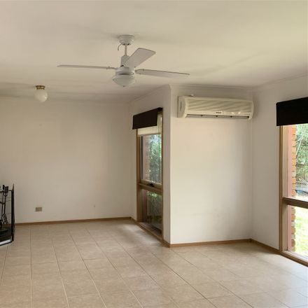 Rent this 4 bed house on 6 Stirling Avenue