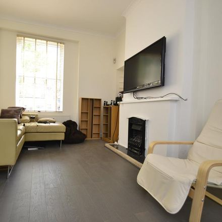 Rent this 5 bed house on 28 Grenville Road in London N19 4EH, United Kingdom