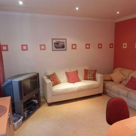Rent this 5 bed house on Ladythorn Crescent in Stockport SK7 2HA, United Kingdom
